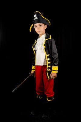 Inchiriere Costum carnaval baieti pirat 621
