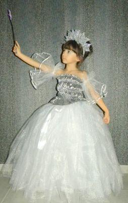 Inchiriere rochie serbare Craiasa Zapezii, Zana Iarna 800